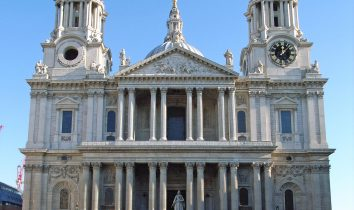 St_Pauls_Cathedral_from_West_adj